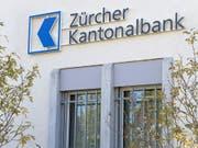 Die ZKB ist eine der 24 Schweizer Kantonalbanken. Die wichtigste Ertragsquelle der Staatsinstitute bleibt das Zinsgeschäft. (Bild: KEYSTONE/MELANIE DUCHENE)