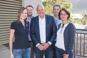 Investor und Swifiss-Chef Philipp Untersander, umringt von den weiteren Geschäftsleitungsmitgliedern: (von links): Corinne Becker-Widmer, Metin Ceylan, Ferruccio Vanin, Sophie Geiger. (Bild: Lisa Jenny / Urnäsch, 13. September 2019)