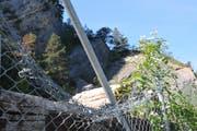 Kletter verschaffen sich immer wieder mit Gewalt Zugang zum abgesperrten Areal bei der Acheregg, indem sie den Zaun zerschneiden. (Bild: Matthias Piazza, Stansstad, 13. September 2019)