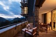 Auf dem Bürgenstock den Alltag vergessen und entspannt den Blick über die Bergwelt Schweifen lassen. Bild (PD)