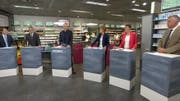 Thomas Aeschi (SVP), Josef Dittli (FDP), Moderator Sandro Brotz, Ruth Humbel (CVP), Barbara Gysi (SP) und Lorenz Hess (BDP). Nicht im Bild: Martin Bäumle (GLP) und Irène Kälin (Grüne). (Bild: Screenshot SRF)