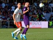 Gipfelduell in Florenz: Franck Ribéry (rechts) gegen Cristiano Ronaldo (Bild: KEYSTONE/AP ANSA/CLAUDIO GIOVANNINI)