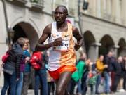 Der Kenianer Geoffrey Kamworor im Mai dieses Jahres beim GP von Bern (Bild: KEYSTONE/PETER KLAUNZER)