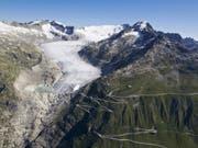Der Klimawandel lässt nicht nur den Rhonegletscher schmilzen. Die Gletscher-Initiative will deshalb die Treibhausgasemissionen der Schweiz bis 2050 auf Null senken. (Bild: Keystone/ALESSANDRO DELLA BELLA)