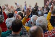 Bislang können Bürger an Gemeindeversammlungen über die einzelnen Löhne der Gemeindebehörden nicht direkt mitbestimmen. (Bild: Donato Caspari)