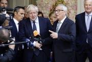 Der britische Premier Boris Johnson und EU-Kommissionspräsident Jean-Claude Juncker in Luxemburg. (Bild: Olivier Matthys/Keystone, 16. September 2019)