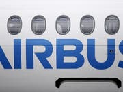 Der Airbus-Konzern hat vor Strafzöllen der USA auf seine Flugzeuge gewarnt. (Bild: KEYSTONE/EPA/ANDY RAIN)
