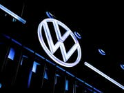 Der Autokonzern Volkswagen konnte in Australien einen Vergleich mit Klägern wegen des Abgas-Skandals erzielen. (Bild: KEYSTONE/EPA/SASCHA STEINBACH)