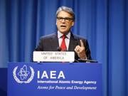 «Das war ein vorsätzlicher Angriff auf die Weltwirtschaft und den globalen Energiemarkt», sagte US-Energieminister Rick Perry am Montag bei einem Treffen der Internationalen Atomenergiebehörde (IAEA) in Wien. (Bild: Keystone/EPA/FLORIAN WIESER)