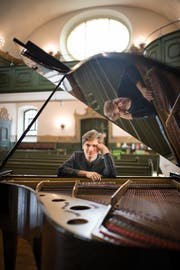 Der Moskauer Pianist Simon Bürki machte in seiner Heimat Gossau Halt. Bild: Benjamin Manser