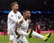 Wollen endlich den Titel in der Champions League: die Pariser Superstars Neymar (links) und Kylian Mbappé. (Bild: EPA)