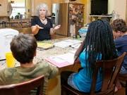 In der Schweiz besteht kein Anspruch darauf, dass Eltern ihre grundschulpflichtigen Kinder zu Hause unterrichten dürfen. (Bild: KEYSTONE/AP/SUE OGROCKI)