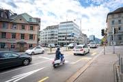 Am Blumenbergplatz liegen die Stickstoffdioxid-Werte im Jahresmittel noch immer über dem gesetzlichen Grenzwert. (Bild: Urs Bucher)