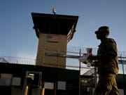 Das US-Gefangenenlager Guantánamo ist nach einer Berechnung der «New York Times» das wohl teuerste Gefängnis der Geschichte. Die Kosten für die Unterbringung der zuletzt 40 Insassen lagen 2018 bei über 540 Millionen US-Dollar. Das entspricht rund 13 Millionen Dollar pro Häftling. (Bild: KEYSTONE/AP/RAMON ESPINOSA)
