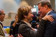 Ein Foto von vor vier Jahren: Roland Eberle und Brigitte Häberli gratulieren sich zum Ständeratssitz. (Bild: Andrea Stalder)