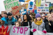 Viele prominente Politiker unterschreiben die Charta der Klimastreik-Bewegung. (Bild: Keystone)