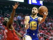 NBA-Superstar Stephen Curry (am Ball) will 2020 bei Olympia in Tokio dabei sein (Bild: KEYSTONE/FR171023 AP/ERIC CHRISTIAN SMITH)