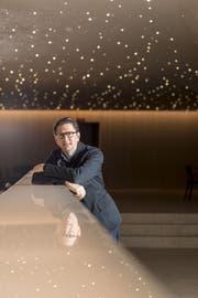 Aviel Cahn (45) will keine Oper über Bergbauern machen, aber Schweizer Themen wie «Reise der Hoffnung» von Xavier Koller für die Oper adaptieren. Bild: Nicolas Schopfer