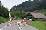 Die Lochermoosbrücke ist wegen Sanierungsarbeiten gesperrt. (Bild: Michael Hehli, 23.08.2019)