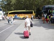 Touristen müssen sich nicht umgewöhnen: Der Carparkplatz am Sihlquai in der Nähe des Zürcher Hauptbahnhofes bleibt nach dem Willen der Stadtregierung noch für mindestens 15 Jahre. (Bild: KEYSTONE/ENNIO LEANZA)