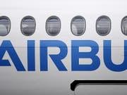 Beschaffung geheimer Unterlagen: Die Staatsanwaltschaft München ermittelt wegen Spionageverdachts gegen Mitarbeiter des europäische Flugzeugbauers Airbus. (Bild: KEYSTONE/EPA/ANDY RAIN)