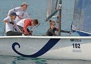 Julia, Thomas und Timo Hasler sowie Jessica Illi (von links) segeln fokussiert zum Sieg beim Pilatus-Cup in der Racer Klasse 1. (Bild: Walter Rudin (Greppen, 31. August 2019))