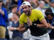 Die Freude über einen seltenen italienischen Triumph in Flushing Meadows: Matteo Berrettini steht in den Viertelfinals des US Open (Bild: KEYSTONE/FR171690 AP/SARAH STIER)