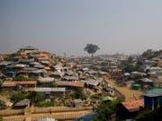 Die staatenlosen Rohingya-Flüchtlinge im Lager in Cox's Bazar in Bangladesch erhalten keine SIM-Karten mehr. Grund: Sie können keine Identitätskarte vorweisen. (Bild: KEYSTONE/AP/DAR YASIN)