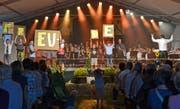 Die Schulkinder und die MG Mühlrüti führten gemeinsam das Musical «Freude» auf. (Bild: Peter Jenni)