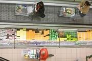 Shoppen wird billiger: Ist das gut für die Schweiz? (Bild: Alessandro della Bella/Keystone)