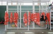 Während die Mitarbeiter der Dienststelle Stadtgrün ihr Übergewand im Werkhof hängen lassen, arbeitet ihr Geld auf dem Personal-Anlagekonto der Stadt für sie weiter. (Bild: Benjamin Manser)