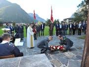 Im Gedenken an die verstorbenen Mitglieder wurde ein Kranz niedergelegt. (Bild: Urs Hanhart, Erstfeld, 21. September 2019)