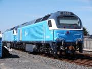Zwei Lokomotiven von Vossloh respektive Stadler nach ihrer Ankunft in Südafrika. (Bild: Col André Kritzinger, Wikipedia / Kapstadt, 2. April 2015)