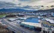 Bauwerk Parkett investiert auch am Hauptsitz in St.Margrethen unter anderem in die Automation der Produktion. Bilder: Michel Canonica