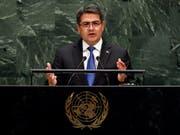 Am Rande der Uno-Vollversammlung haben am Mittwoch der Präsident von Honduras, Juan Orlando Hernández (Bild), und US-Präsident, Donald Trump, ein Abkommen zur Migration unterzeichnet. (Bild: KEYSTONE/AP/RICHARD DREW)