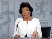 Laut der spanischen Regierungssprecherin Isabel Celaá will Madrid umstrittene Beschlüsse des Regionalparlaments in Barcelona beim Verfassungsgericht anfechten. (Bild: KEYSTONE/EPA EFE/J.J. GUILLEN)
