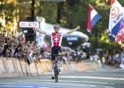 Vor genau einem Jahr krönte sich Marc Hirschi zum U23-Weltmeister. Am Sonntag misst er sich bei den Grossen. (Bild: Keystone (Innsbruck, 28. September 2018))