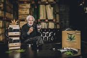 Heinrich Villiger mit dem neuen Produkt (Bild: PD)