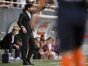 Wils Trainer Ciriaco Sforza nimmt gegen Lausanne die richtigen Korrekturen vor (Bild: KEYSTONE/GIAN EHRENZELLER)