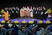 Der jubilierende Jodelklub Heimelig Baar war der gefeierte Hauptakteur in der Waldmannhalle. (Bild: Maria Schmid, 28. September 2019)