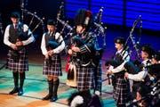 Jung und mit einem Sound, der Gänsehaut erzeugt: Die schottische Royal High Pipe Band im KKL. (Bild: Eveline Beerkircher, 28. September 2019)