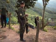 In Kolumbien flammt der Konflikt mit der Farc-Guerilla wieder an zahlreichen Stellen auf. (Bild: KEYSTONE/EPA EFE/RICARDO MALDONADO ROZO)