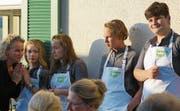 «Greentopf» bei Saxbooks: Franziska Stöckli neben June, Melissa, Joël und Nicolas.Bild: Dieter Langhart