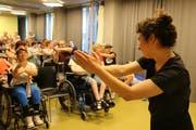 Bewohner der Stiftung Weidli proben für ein Theaterprojekt. (Bild: Irene Infanger, Stans, 2. Juli 2019)
