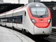 Auch der Gotthardzug Giruno von Stadler Rail rollt jetzt auf dem SBB-Netz. (Bild: KEYSTONE/WALTER BIERI)