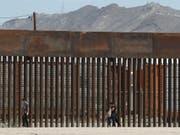 Das US-Verteidigungsministerium hat 3,6 Milliarden Dollar für Präsident Donald Trumps geplanten Bau einer Mauer an der Grenze nach Mexiko genehmigt. (Foto: Christian Chavez / AP) (Bild: KEYSTONE/AP/CHRISTIAN CHAVEZ)