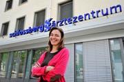 Geschäftsführerin Petra Geiser im Jahr 2013, als das Schlossberg-Ärztezentrum nach Gachnang expandiert. (Bild: Reto Martin)