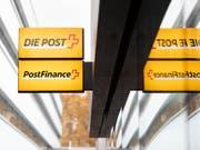 Der Druck auf das Zinsgeschäft von Postfinance hat in den vergangenen Jahren stark zugenommen. (Bild: KEYSTONE/GAETAN BALLY)