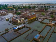 Verheerende Fluten nach tagelangen Monsun-Regen in Indien. Mindestens hundert Personen kamen ums Leben. (Bild: KEYSTONE/AP/RAJESH KUMAR SINGH)