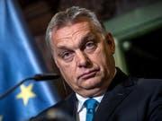Hat sich entschieden nachzugeben: der ungarische Ministerpräsident Viktor Orban - sonst kein Leisetreter, wenn es um die EU geht. (Bild: KEYSTONE/EPA/MARTIN DIVISEK)